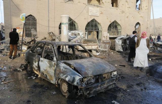 جماعة مراقبة: هجمات جوية للحكومة السورية تقتل 63 شخصا في الرقة
