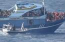 سفينة مهاجرين سريين